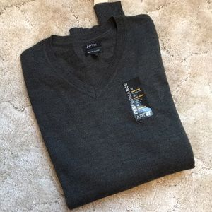 NWT Men's Merino Blend Sweater